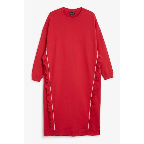 11e3c9aa5a0a Oversize ruffled sweatshirt dress - Red dragon - Dresses - Monki - Amaliah